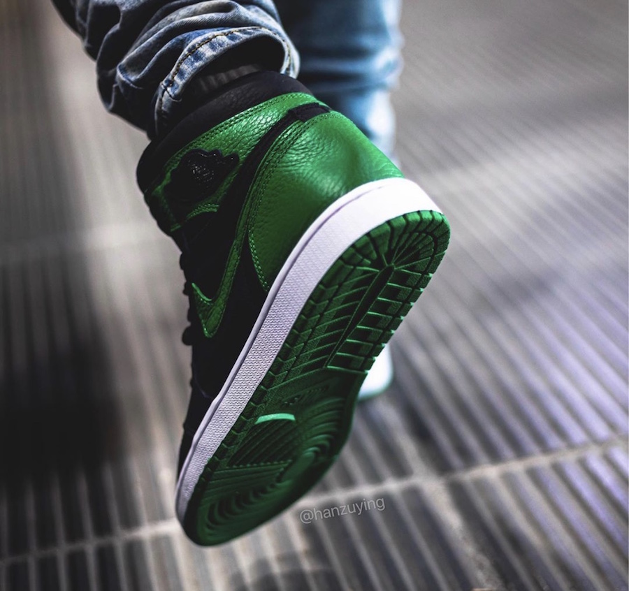 First Look At The Air Jordan 1 Retro High OG Pine Green