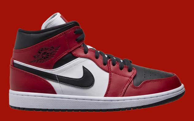 Air Jordan 1 Chicago Black Toe