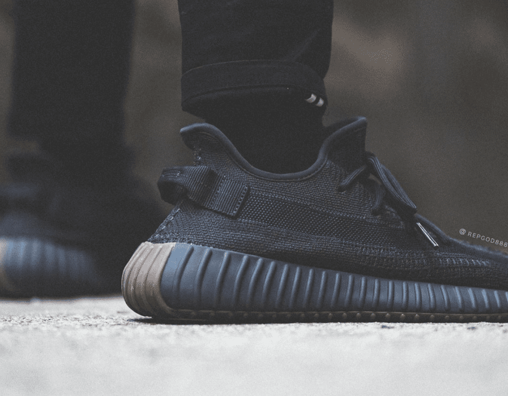 OFFICIAL LOOK OF THE ADIDAS YEEZY BOOST 350 V2 CINDER REFLECTIVE