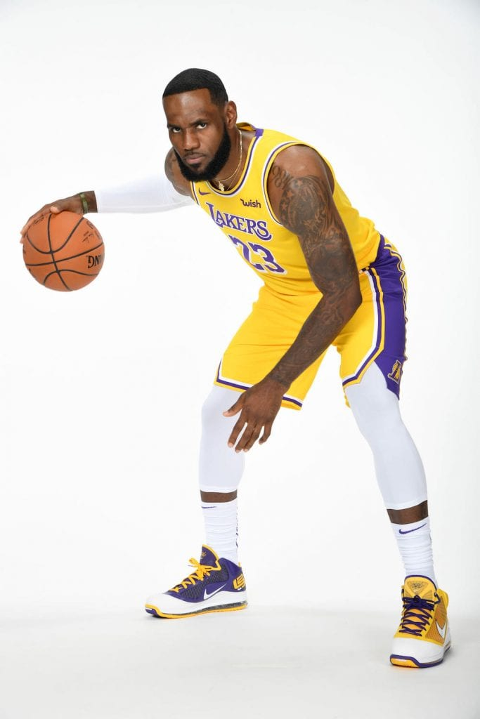 LeBron-James-Nike-LeBron-7-Lakers