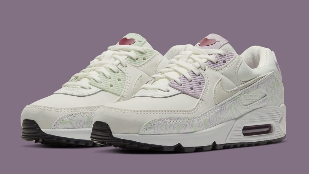 nike-air-max-90-womens-valentines-day-ci7395-100-pair