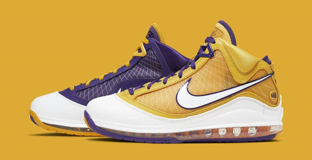 nike-lebron-7-lakers-cw2300-500-lateral