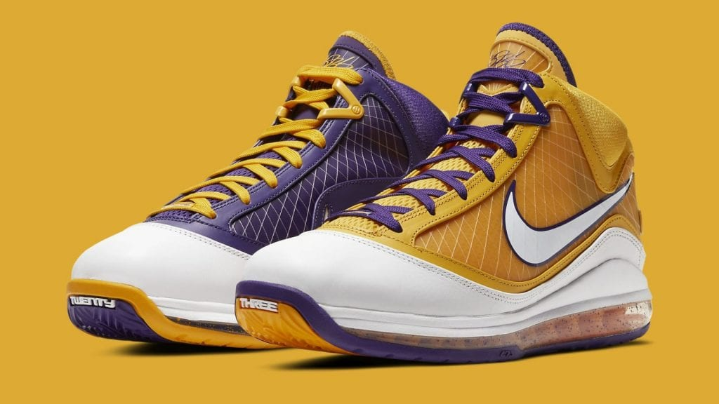 nike-lebron-7-lakers-cw2300-500-pair