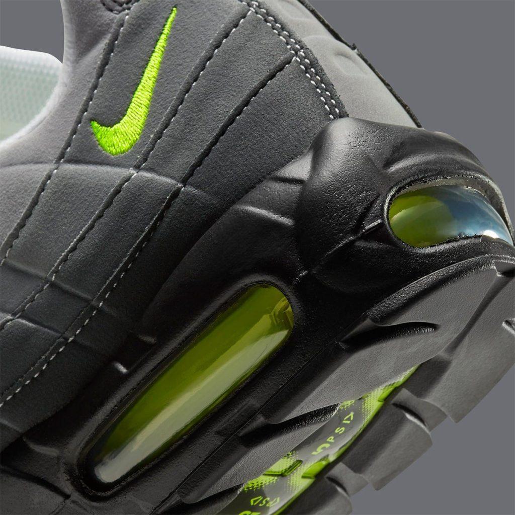 Nike-Air-Max-95-OG-Neon-CT1689-001-7