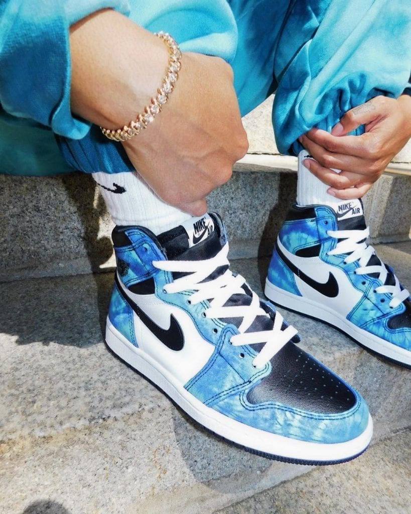 Rox-Brown-Air-Jordan-1-Tie-Dye-CD0461-100-2