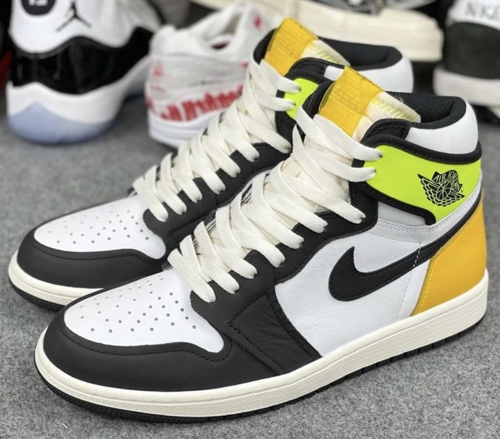 AIR JORDAN 1 HIGH OG VOLT GOLD