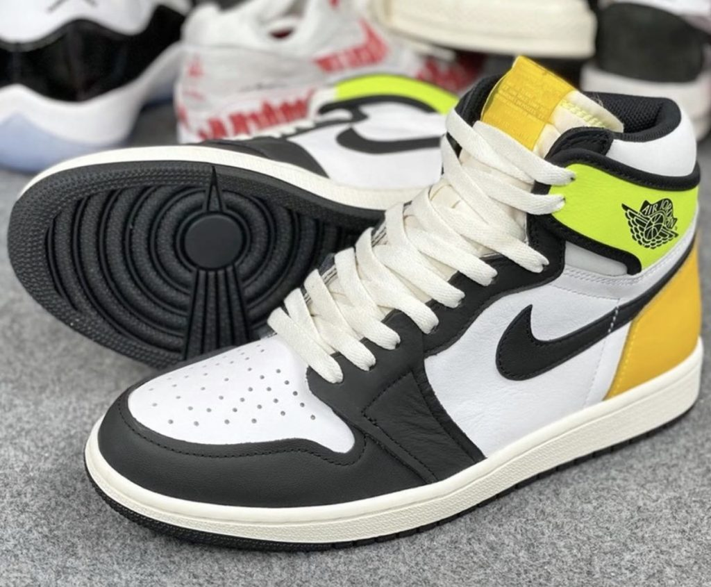 AIR JORDAN 1 HIGH OG VOLT GOLD-1