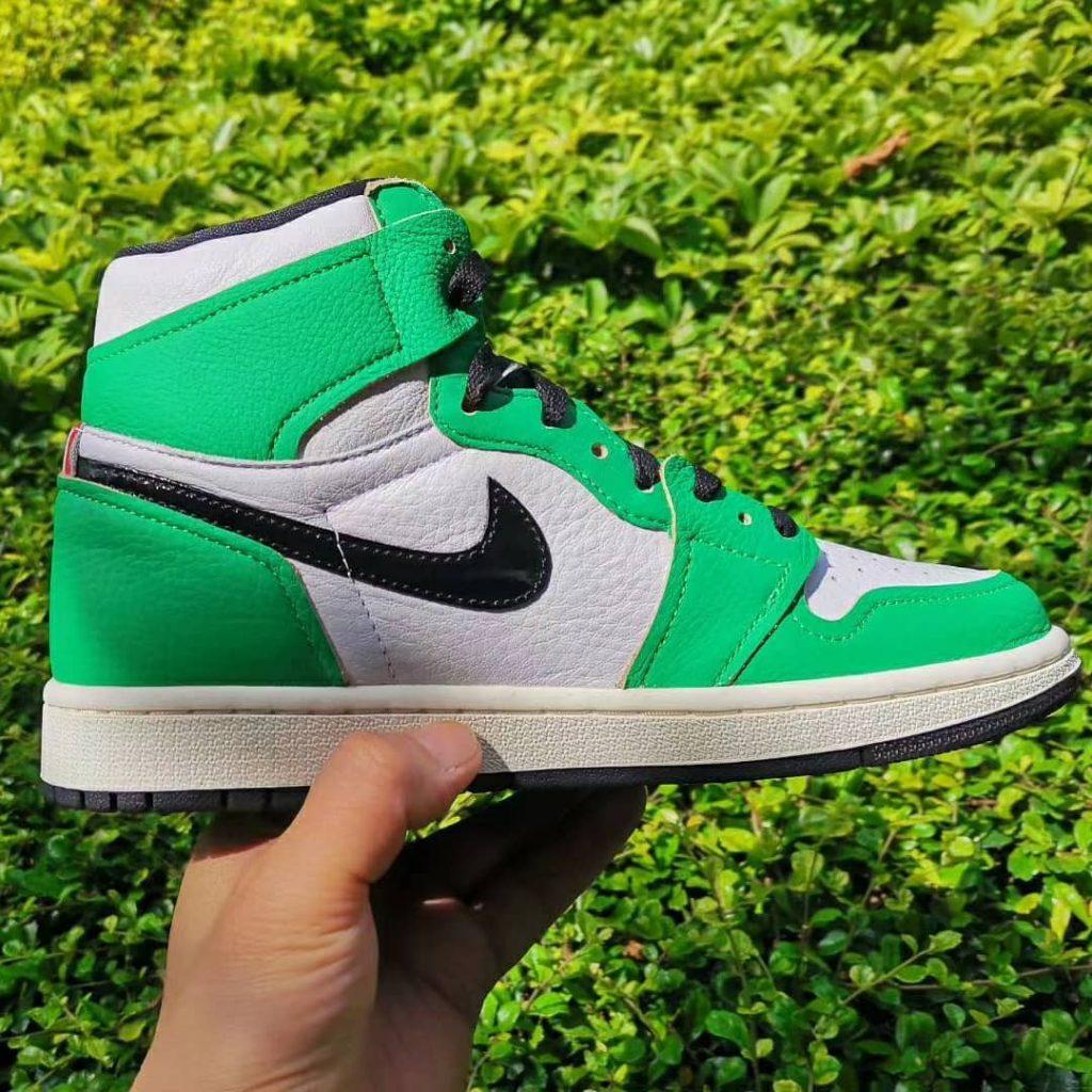 Air Jordan 1 High OG WMNS Lucky Green