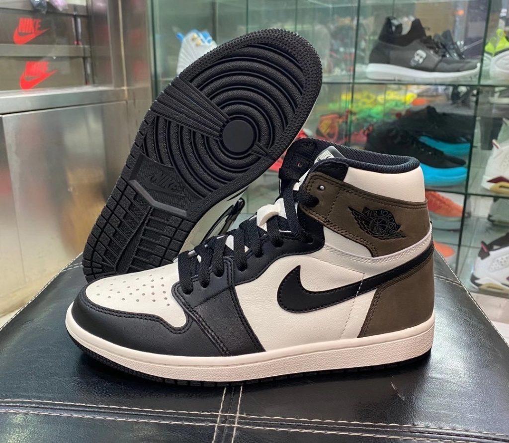 Air Jordan 1 High OG Dark Mocha-1