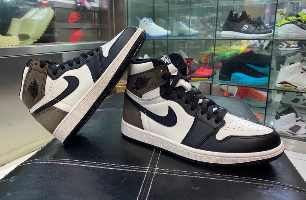 Air Jordan 1 High OG Dark Mocha
