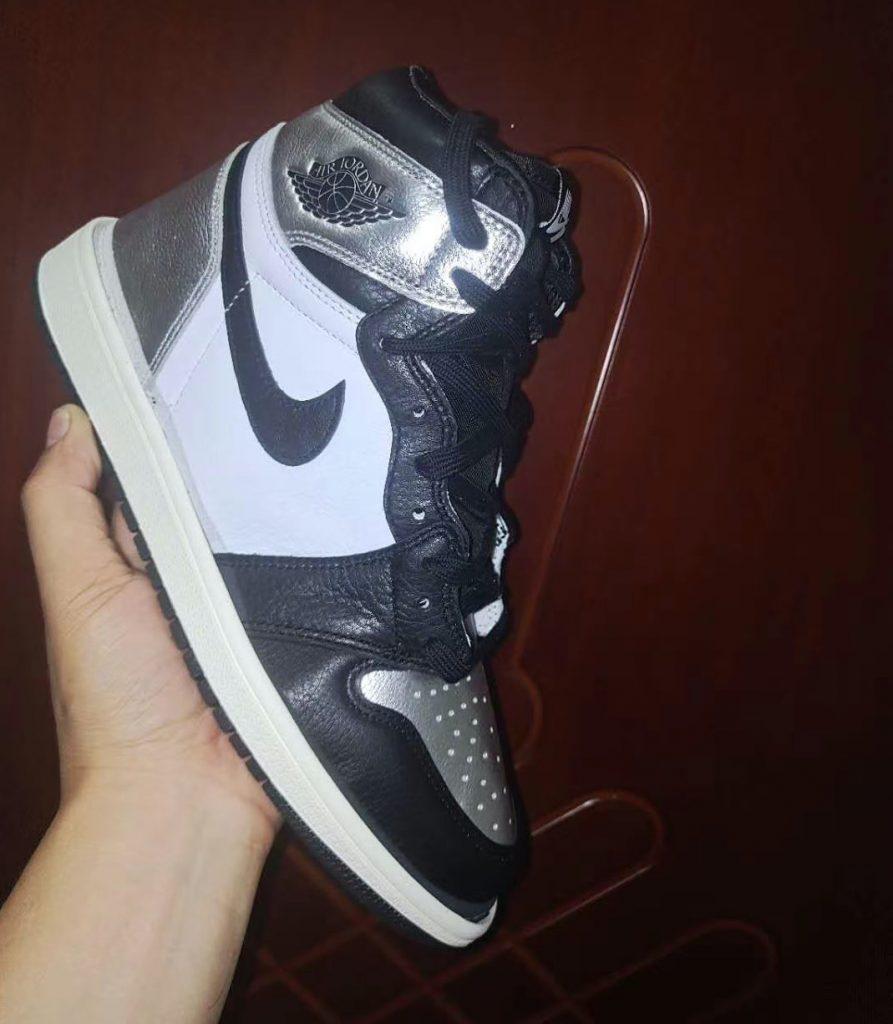 Air Jordan 1 High OG WMNS Silver Toe First Look