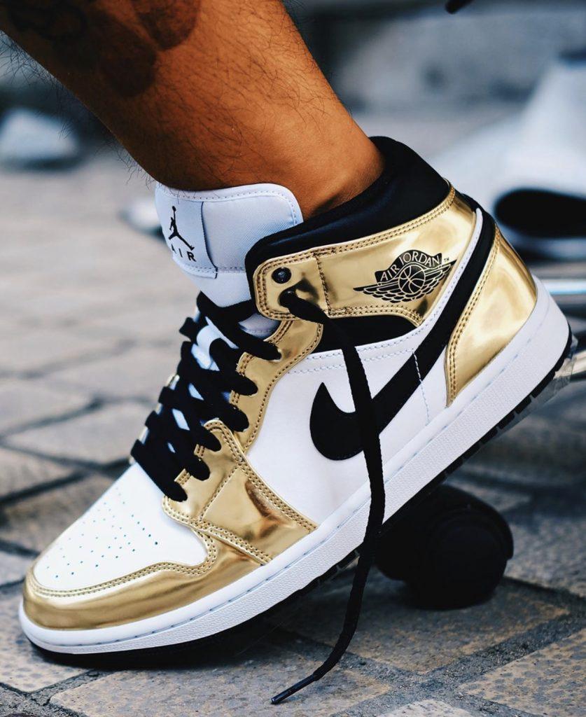 Air Jordan 1 Mid Metallic Gold