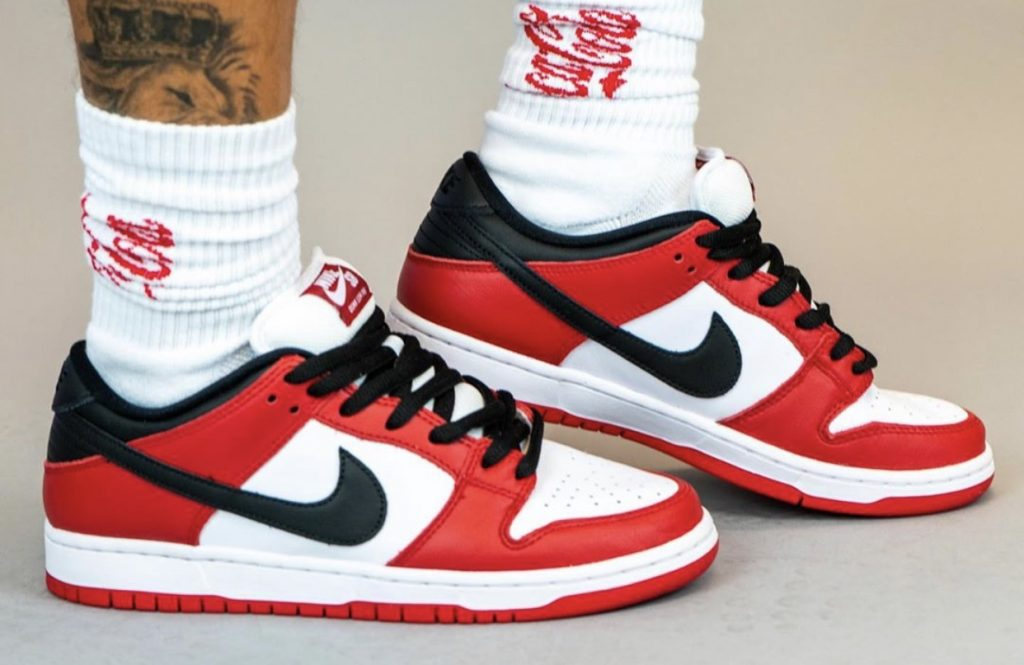 Nike SB Dunk Low Pro Chicago On-Feet-3