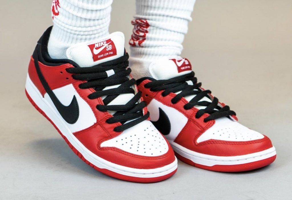 Nike SB Dunk Low Pro Chicago On-Feet-5