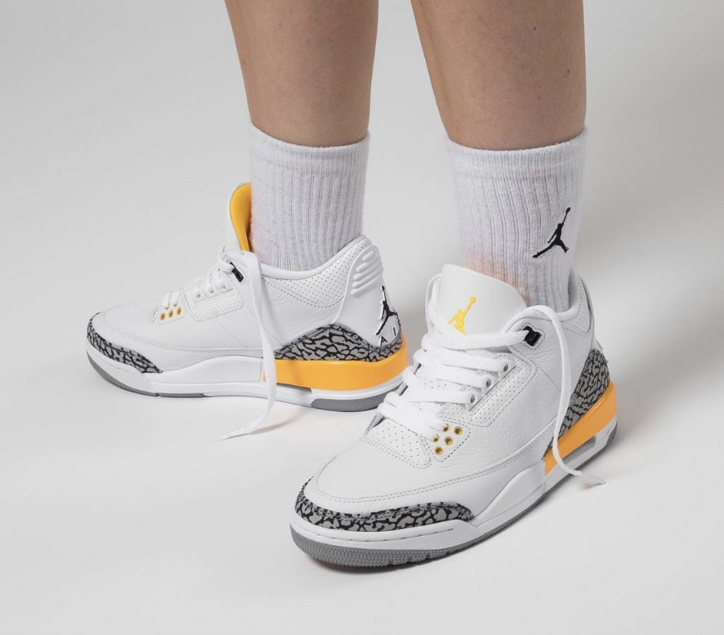 Air Jordan 3 WMNS Laser Orange On-Feet-3