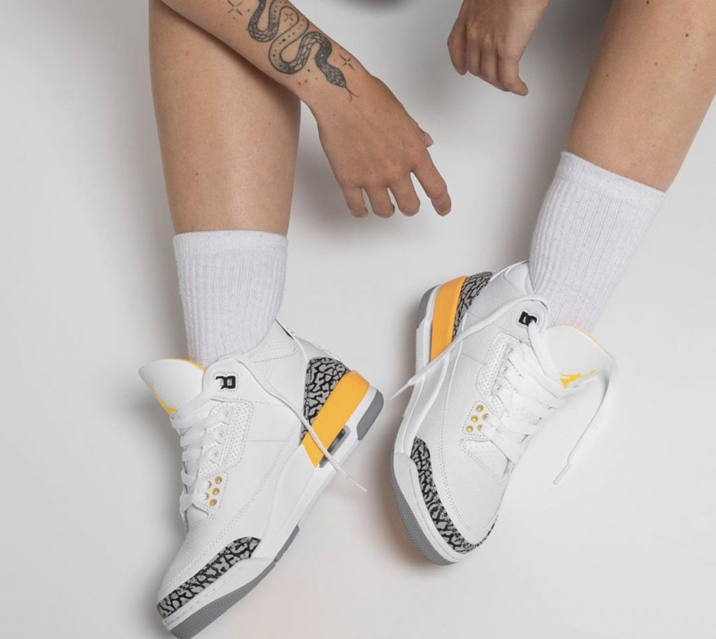 Air Jordan 3 WMNS Laser Orange On-Feet-4
