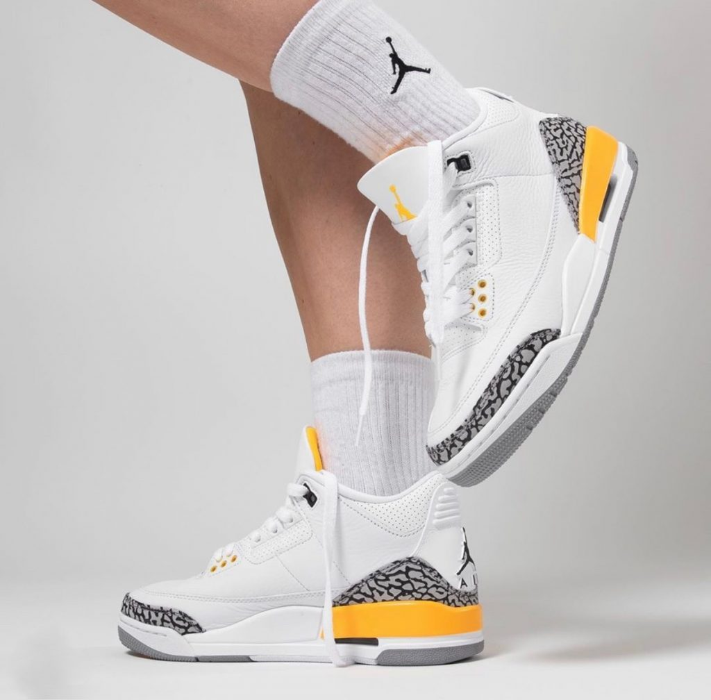 Air Jordan 3 WMNS Laser Orange On-Feet-6