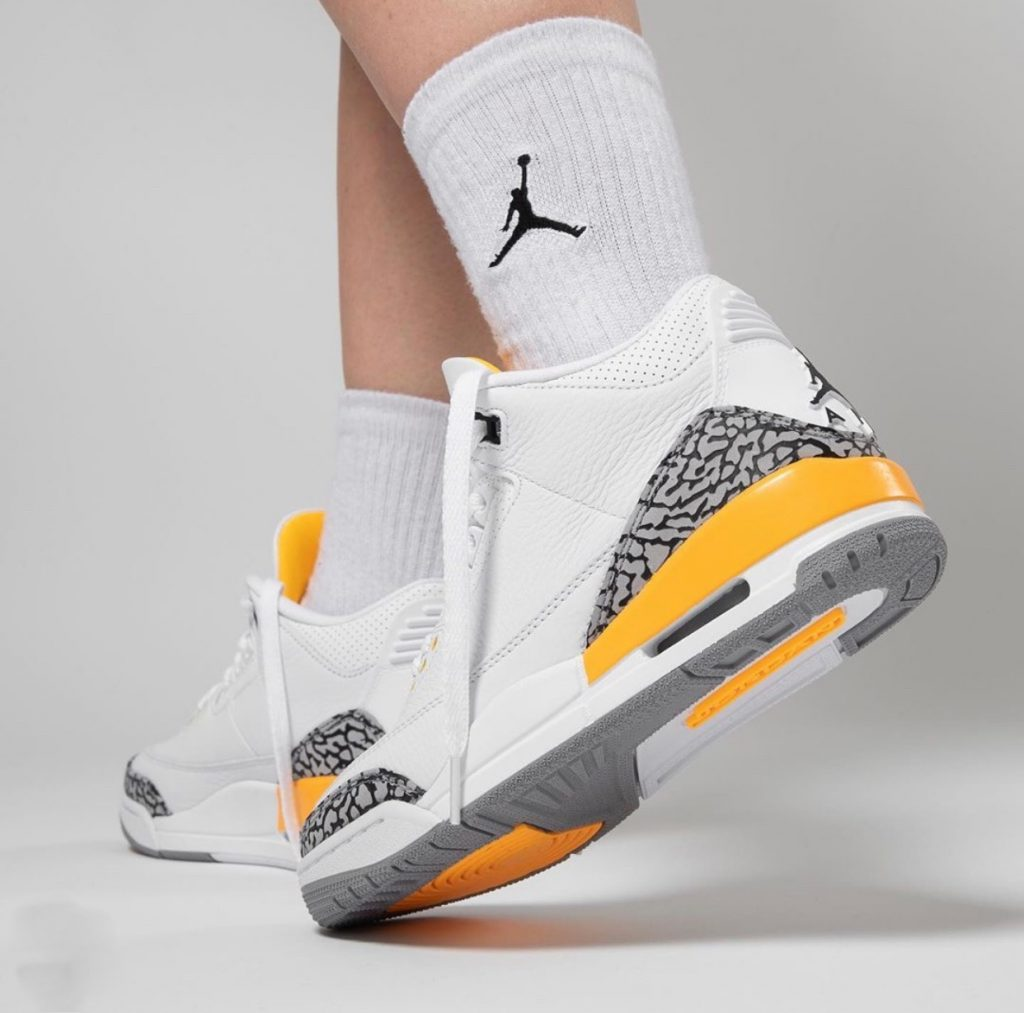 Air Jordan 3 WMNS Laser Orange On-Feet-7
