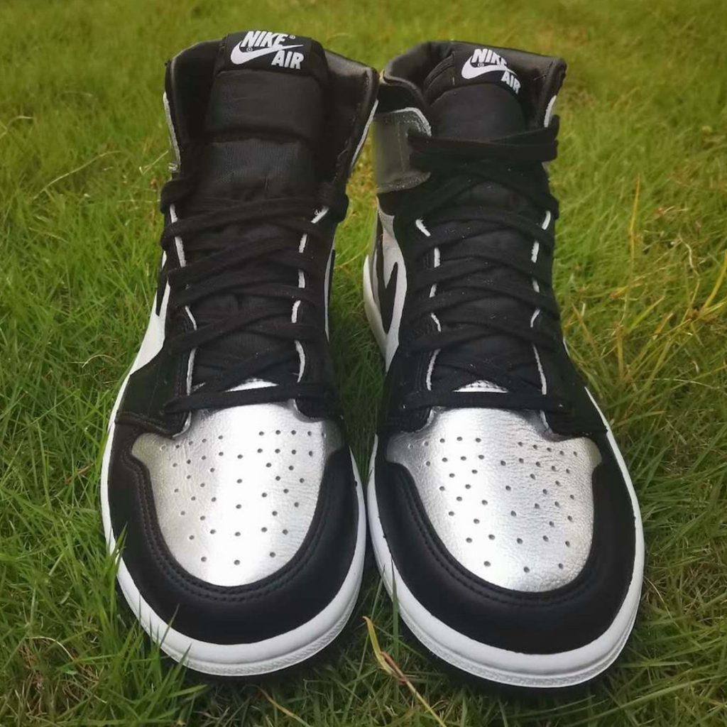 Air Jordan 1 High OG WMNS Silver Toe More Looks-3
