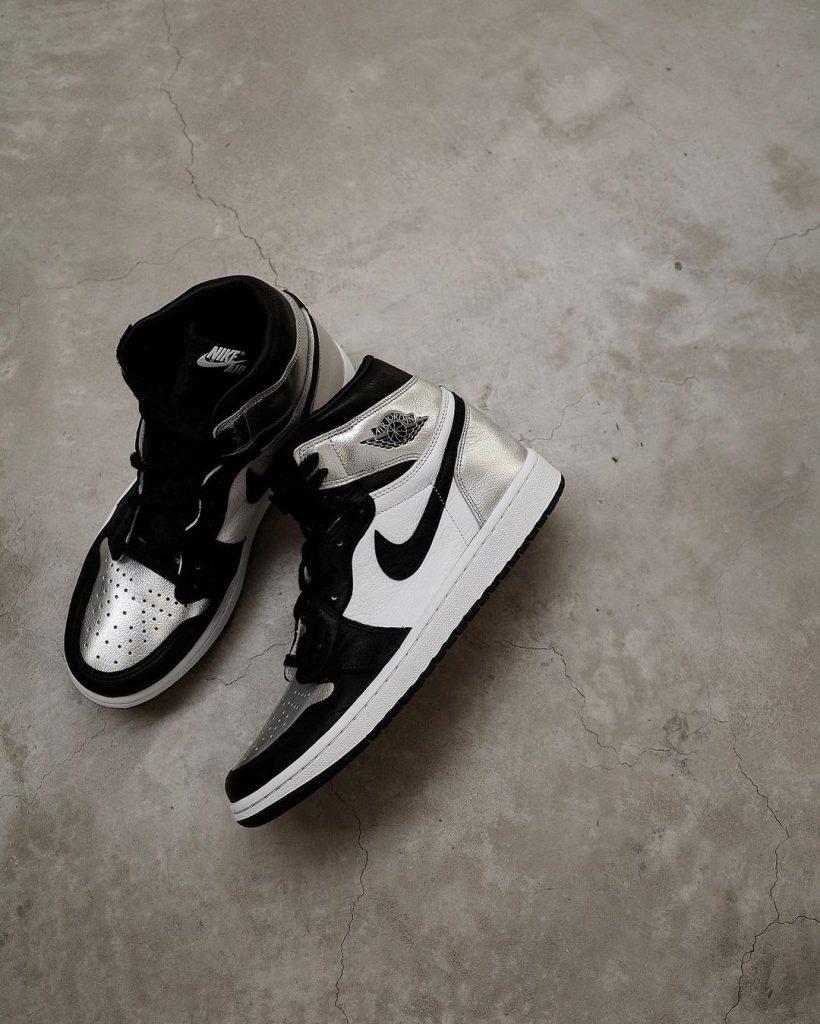 air-jordan-1-og-silver-toe-release-date-cd0461-001-pair