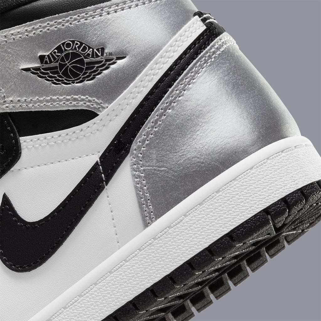 silver-toe-air-jordan-1-metallic-silver-black-cd0461-001-release-date-8