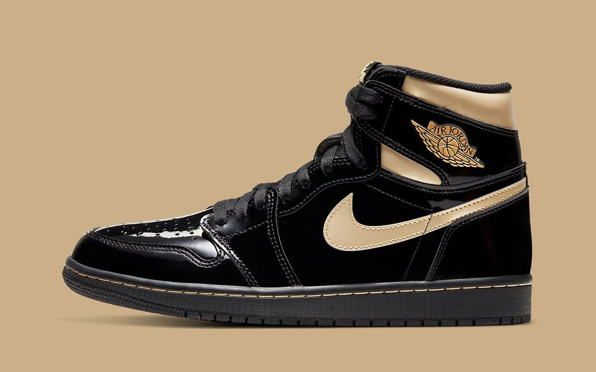 air-jordan-1-high-black-metallic-gold-555088-032-holiday-2020-release-date-10-1200x750