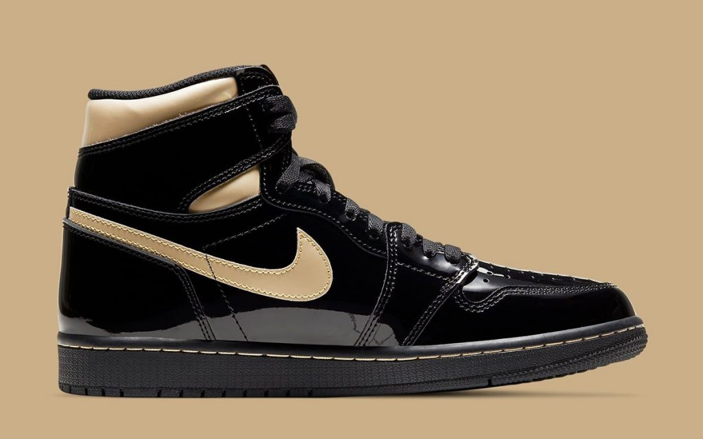 air-jordan-1-high-black-metallic-gold-555088-032-holiday-2020-release-date-3