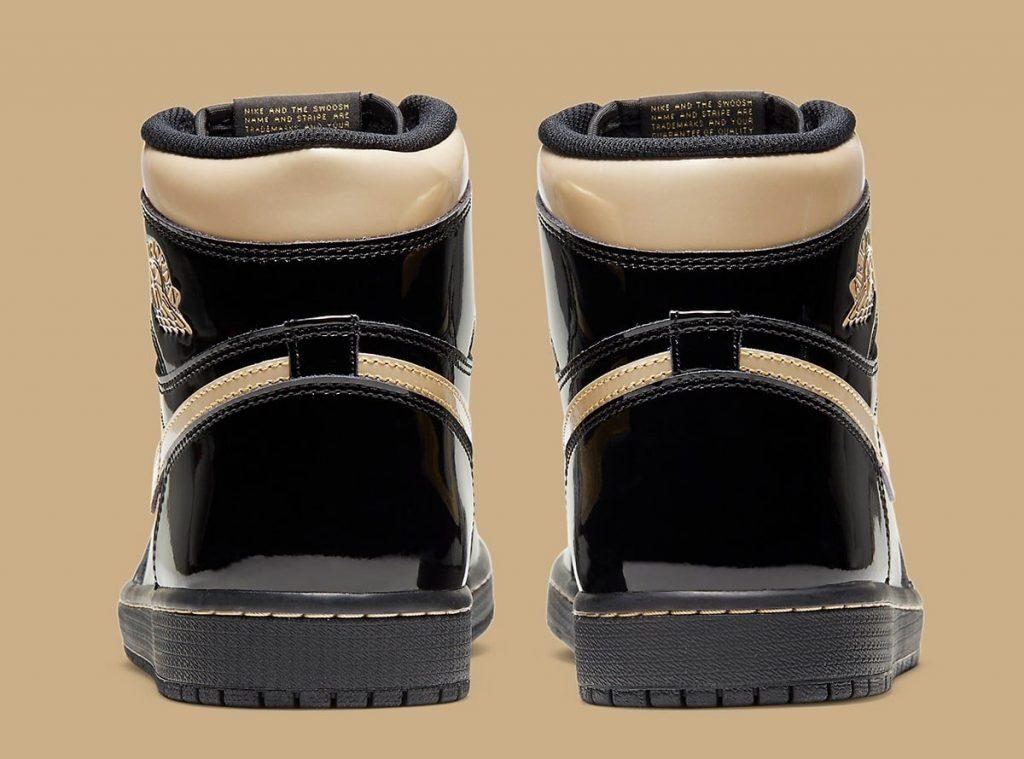 air-jordan-1-high-black-metallic-gold-555088-032-holiday-2020-release-date-5