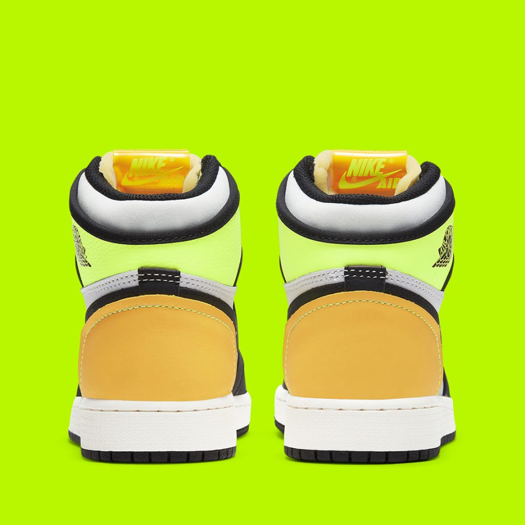 air-jordan-1-retro-high-og-gs-volt-god-575441-118-5