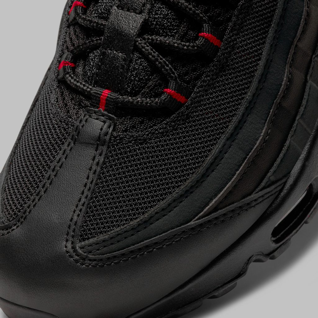 nike-air-max-95-black-reflective-DD7114-001-5