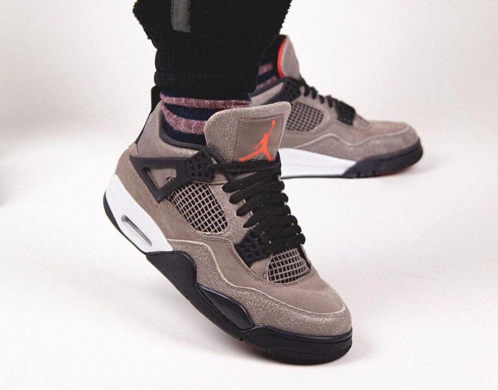 Air-Jordan-4-Taupe-Haze-DB0732-200-Release-Date-On-Feet-3