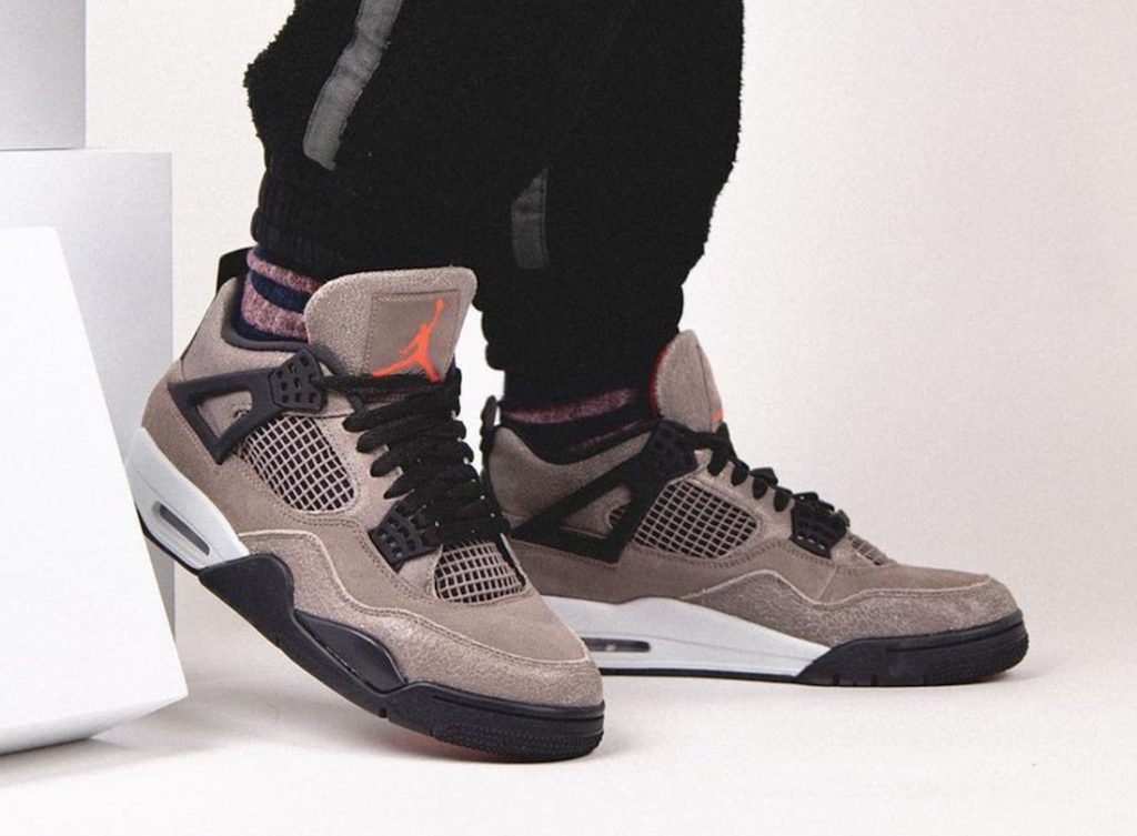 Air-Jordan-4-Taupe-Haze-DB0732-200-Release-Date-On-Feet-5