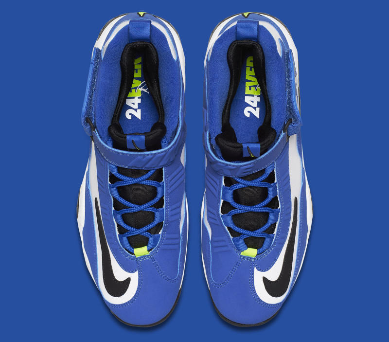 griffey-1-blue-volt-04_o7fml0