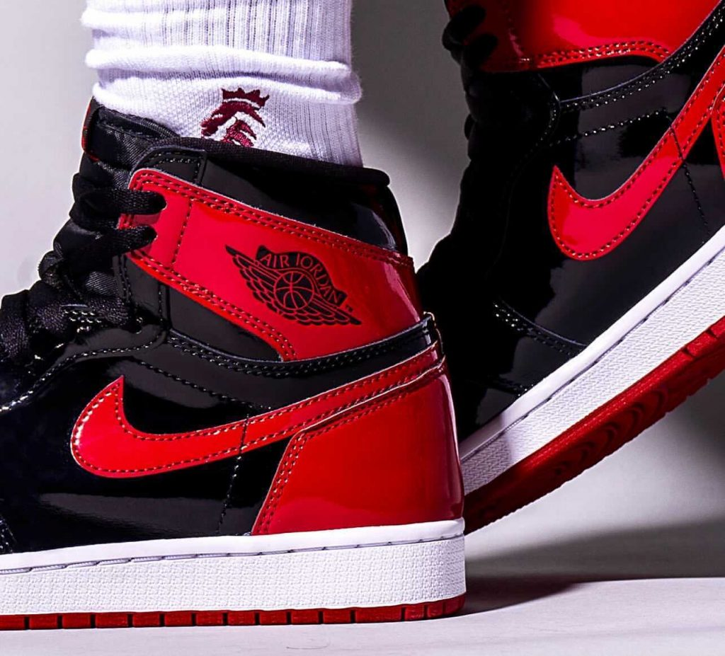 Air-Jordan-1-Bred-Patent-555088-063-Release-Date-On-Feet-10
