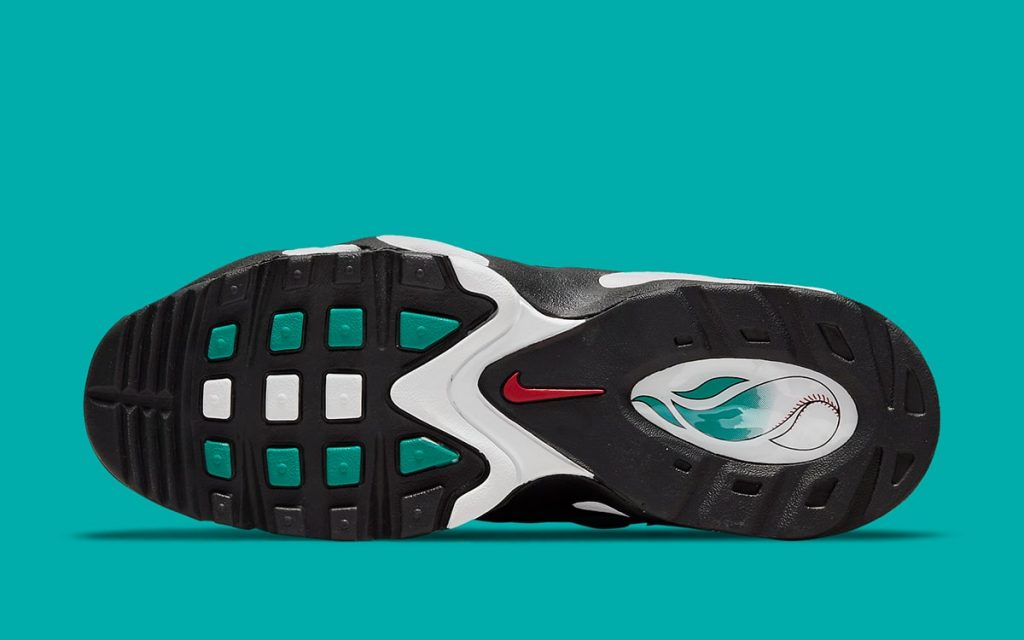 nike-air-griffey-max-1-black-freshwater-release-date-2021-6