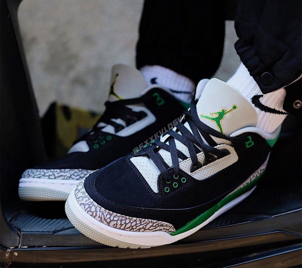 Air-Jordan-3-Pine-Green-CT8532-030-Release-Date-On-Foot-2
