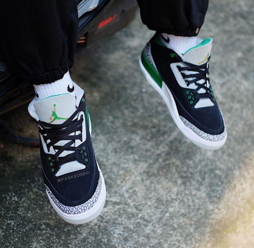 Air-Jordan-3-Pine-Green-CT8532-030-Release-Date-On-Foot-3