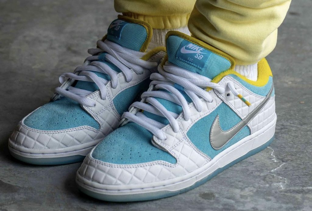 FTC-Nike-SB-Dunk-Low-DH7687-400-2021-Release-Date-On-Feet-1