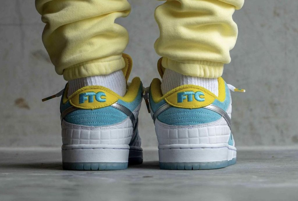 FTC-Nike-SB-Dunk-Low-DH7687-400-2021-Release-Date-On-Feet-5