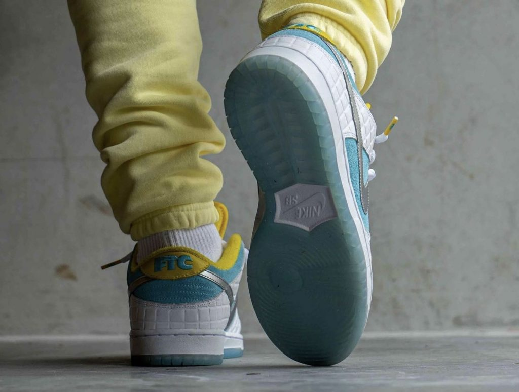 FTC-Nike-SB-Dunk-Low-DH7687-400-2021-Release-Date-On-Feet-6