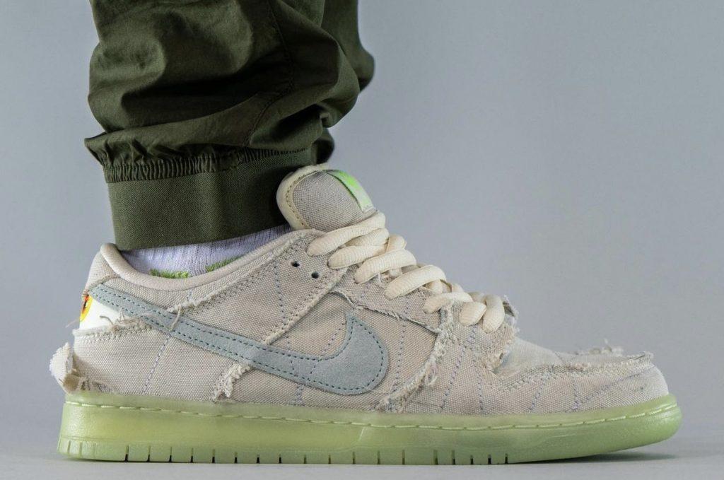 Nike-SB-Dunk-Low-Mummy-Halloween-DM0774-111-Release-Date-On-Feet-4