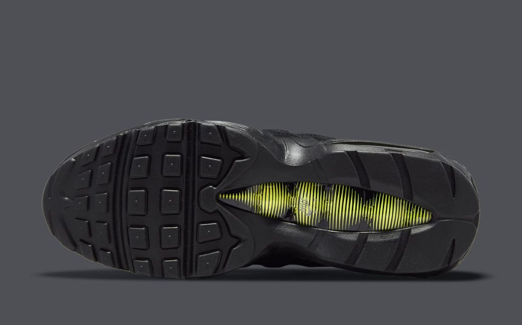 nike-air-max-95-black-suede-do6704-001-release-date-6
