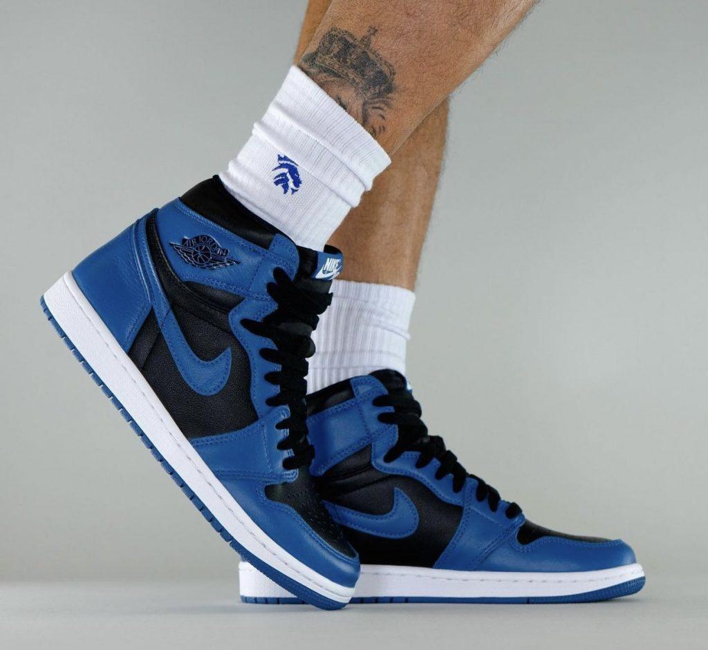 Air-Jordan-1-Dark-Marina-Blue-555088-404-Release-Date-On-Feet-3-1