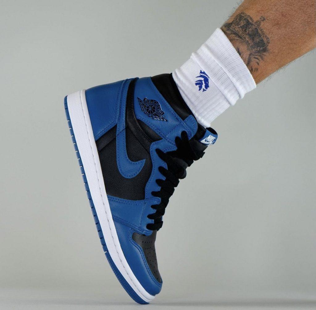 Air-Jordan-1-Dark-Marina-Blue-555088-404-Release-Date-On-Feet-4-1