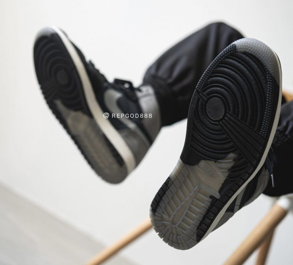 Air-Jordan-1-Element-Gore-Tex-DB2889-001-Release-Date-On-Feet-9