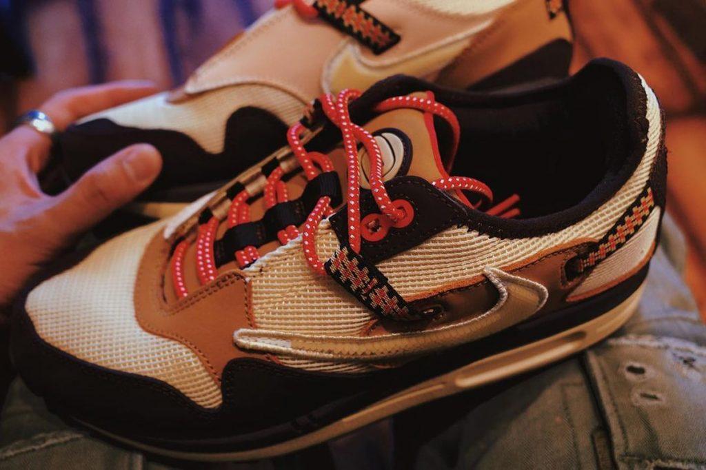 Travis-Scott-Nike-Air-Max-1-Baroque-Brown-On-Feet-7