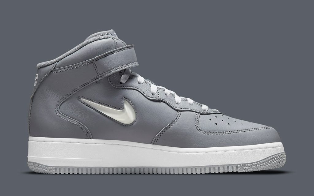 nyc-nike-air-force-1-mid-concrete-jungle-dh5622-001-release-date-3