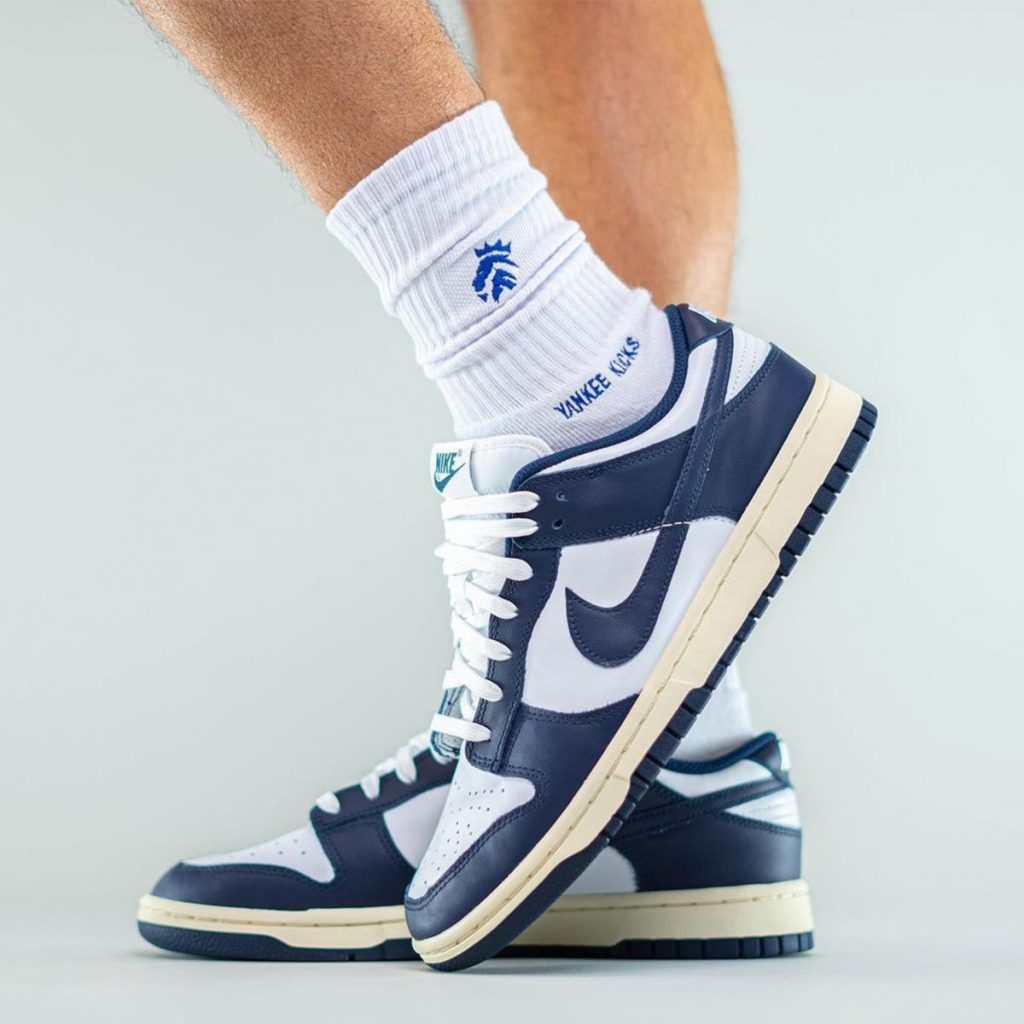 nike-dunk-low-aged-navy-release-date-3-1-1024x1024